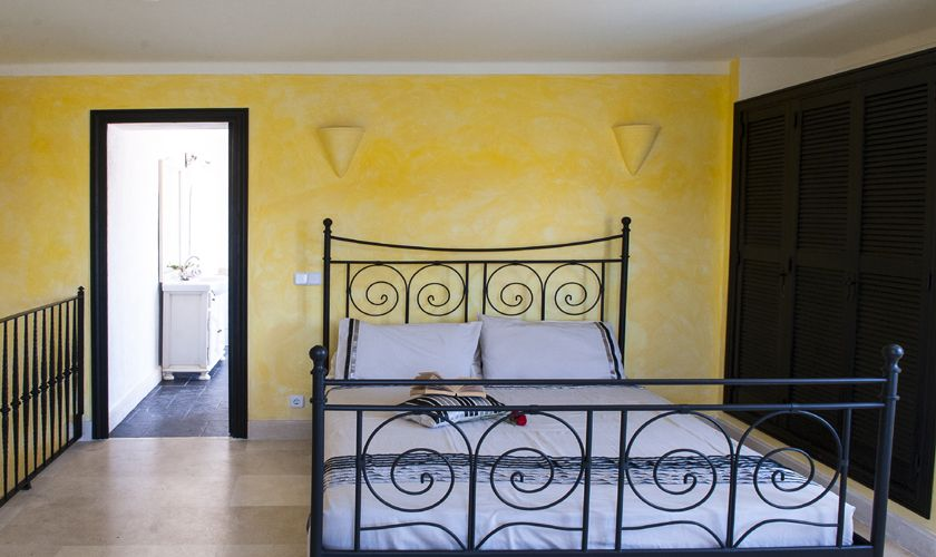 Schlafzimmer Ferienvilla mit Meerblick Mallorca PM 6536