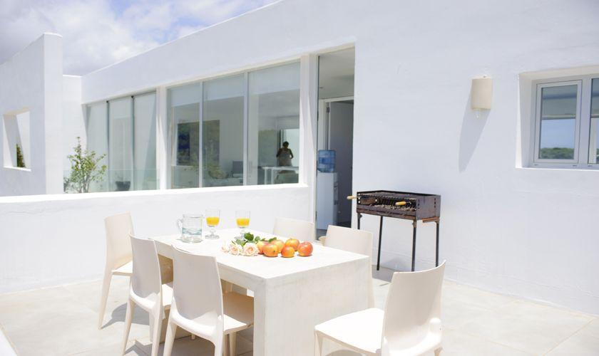 Terrasse mit Grill Villa Mallorca Meerblick PM 6540