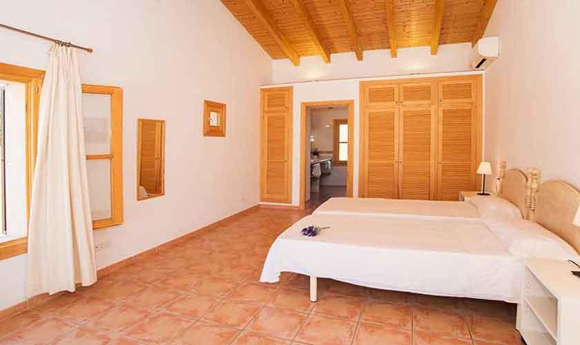 Schlafzimmer Finca Mallorca Südosten PM 6547