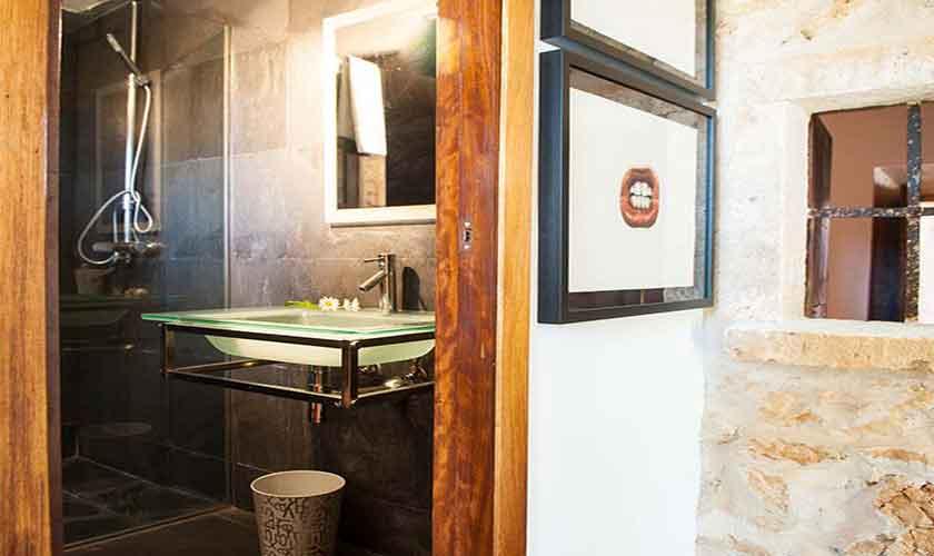 Badezimmer Ferienhaus Mallorca 9 Personen PM 6595