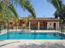 Umzäunter Pool und Finca Mallorca Osten PM 6820