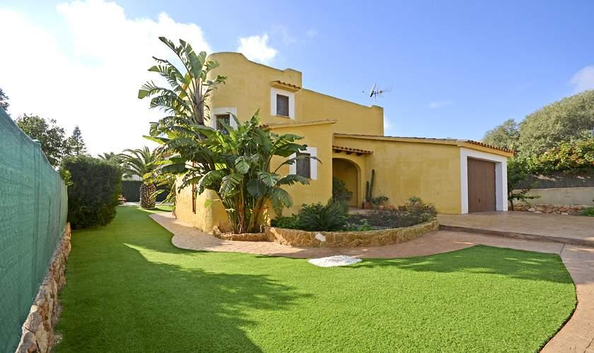 Blick auf das Ferienhaus Mallorca Cala Pi PM 6940