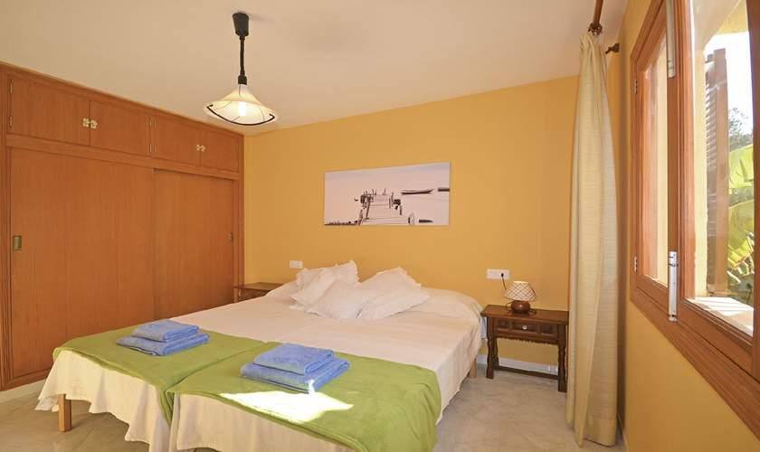 Schlafzimmer Ferienhaus Mallorca Cala Pi PM 6940
