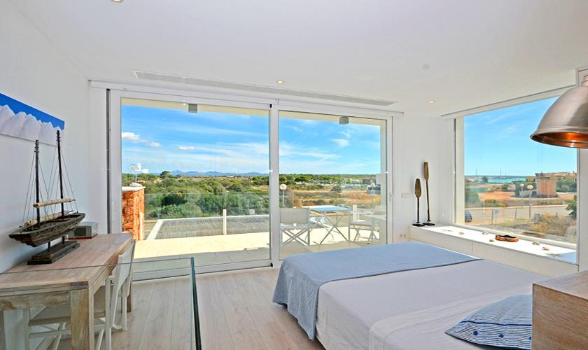 Schlafzimmer Ferienhaus Mallorca bei Sa Rapita PM 6960