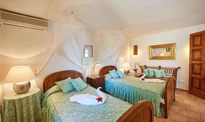 Schlafzimmer Ferienhaus Mallorca Westküste PM 103 Nr. 72c