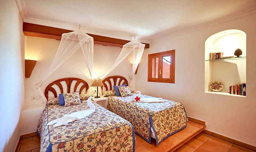 Schlafzimmer Ferienhaus Mallorca PM 103 Nr. 74b