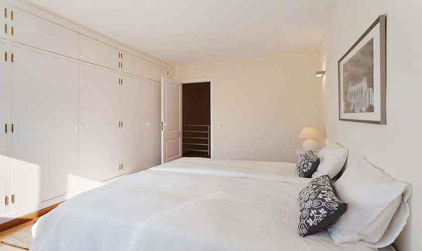 Schlafzimmer Ferienvilla Mallorca 6 Personen PM 140