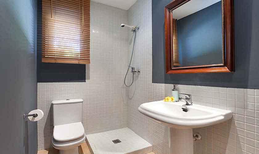 Badezimmer Ferienvilla Mallorca 6 Personen PM 140