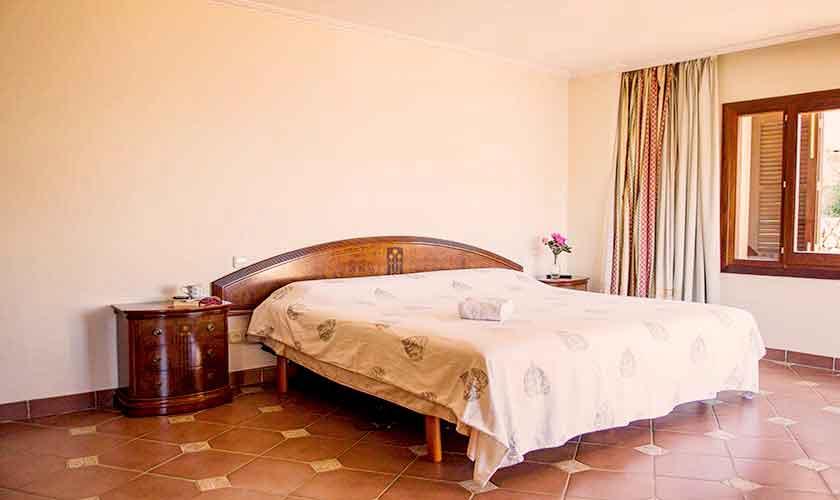 Schlafzimmer Ferienvilla Mallorca Südwesten PM 150