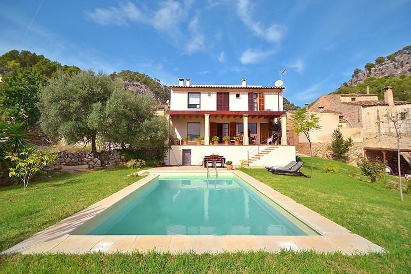 Pool und Finca Mallorca PM 3135 für 6 Personen in Caimari
