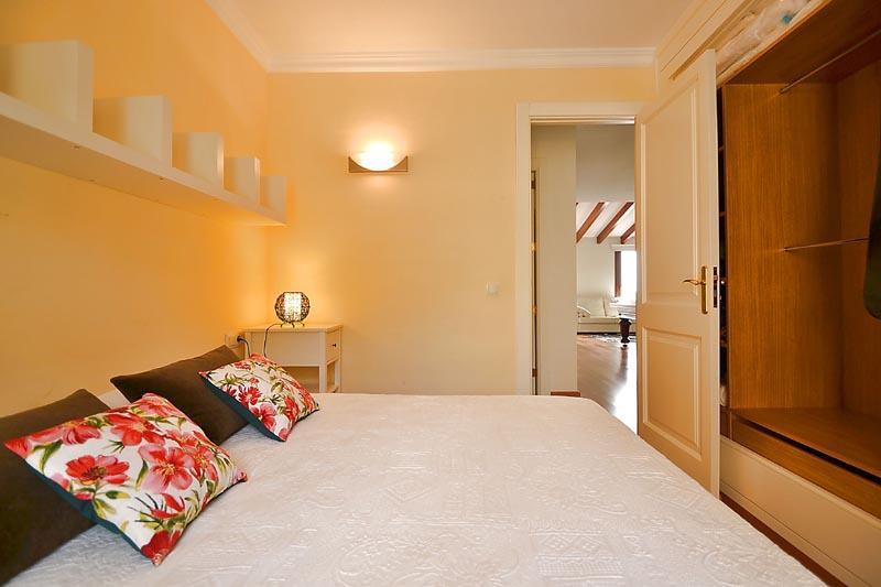 Schlafzimmer 2 b Finca Mallorca mit Pool PM 3135 für 6 Personen in Caimari