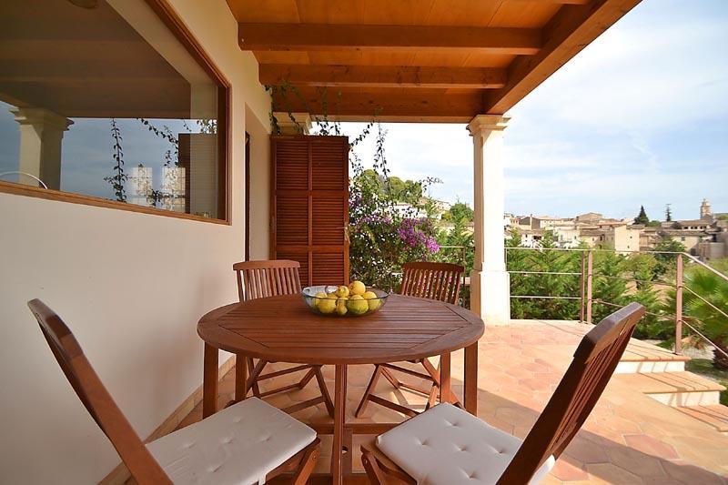 Terrasse Finca Mallorca mit Pool PM 3135 für 6 Personen in Caimari