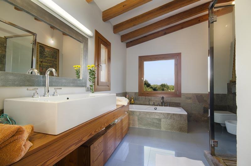 Badezimmer Ferienvilla Mallorca Pollensa PM 3315