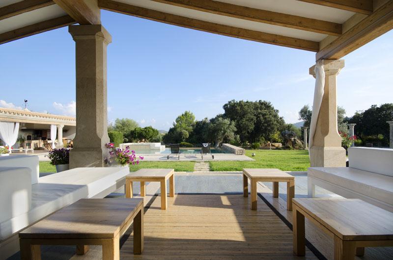 Terrasse der Luxusfinca Mallorca Pollensa PM 3315