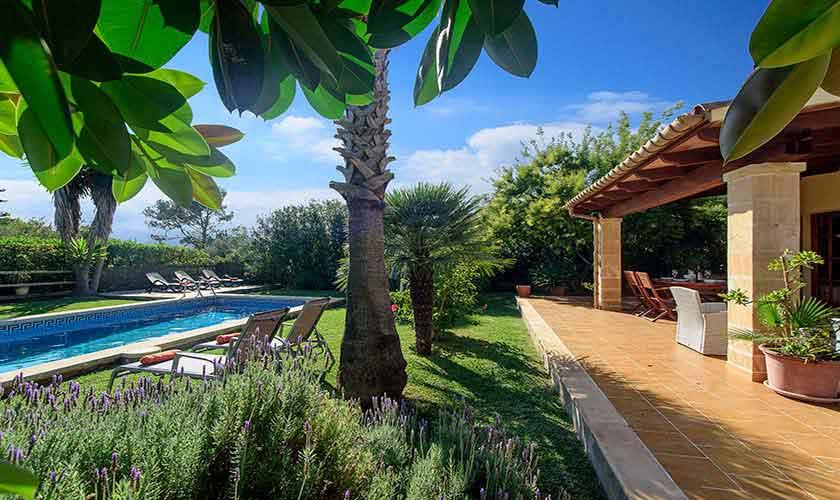 Pool und Garten Ferienfinca Mallorca Nordküste PM 3402