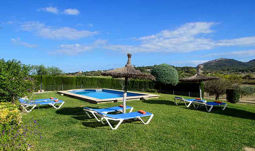 Pool und Rasen Ferienfinca Mallorca PM 3419
