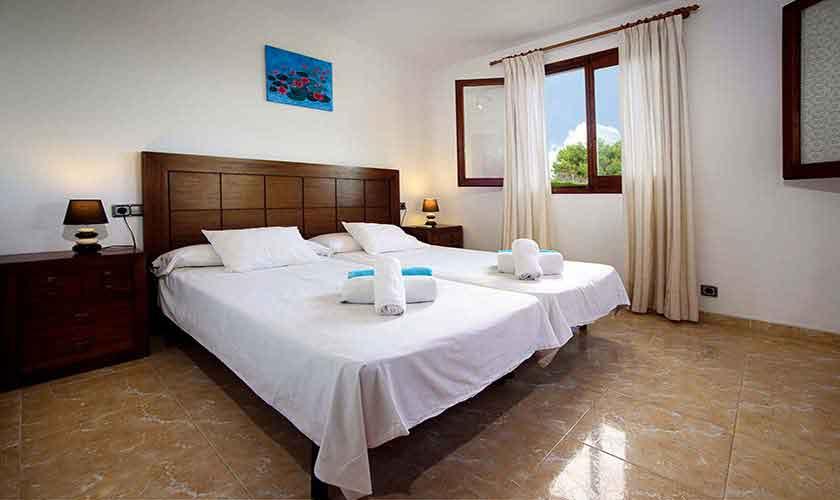 Schlafzimmer Ferienhaus Mallorca 6 Personen PM 3419