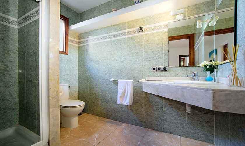 Badezimmer Ferienhaus Mallorca 6 Personen PM 3419