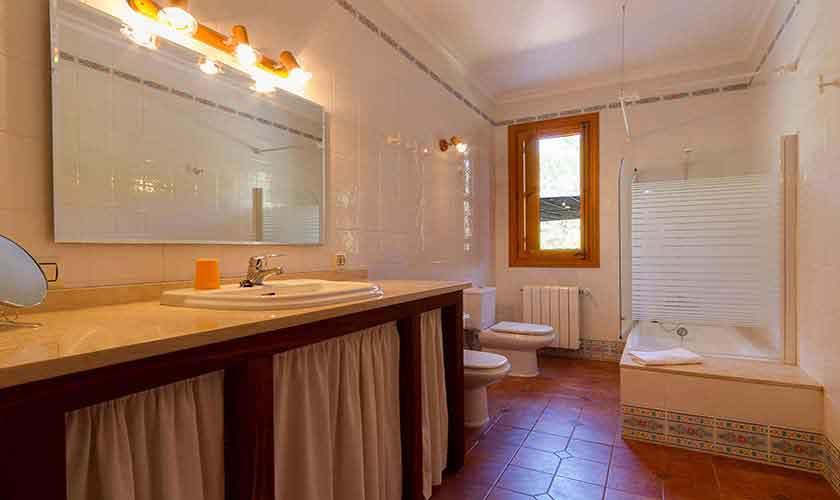 Badezimmer Ferienhaus  Mallorca 6 Personen PM 3424