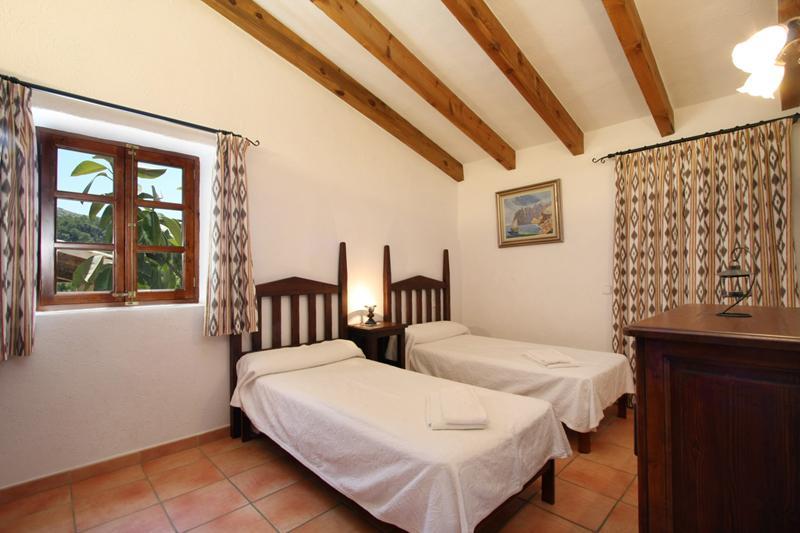 Schlafzimmer 3 Finca Mallorca PM 3426 für 6-7 Personen mit Pool