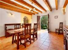 Essplatz Finca Mallorca PM 3426 für 6-7 Personen mit Pool