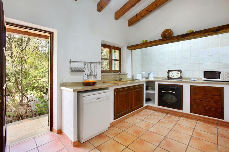 Küche Finca Mallorca PM 3426 für 6-7 Personen mit Pool