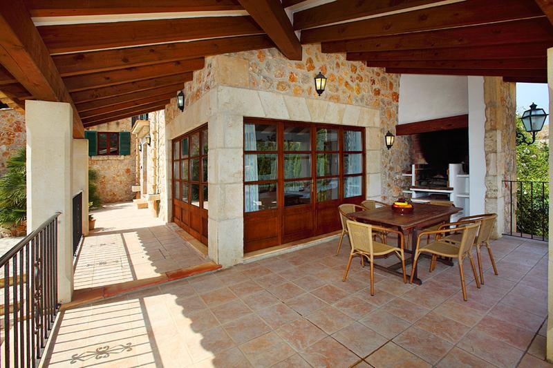 Terrasse Finca Mallorca PM 3426 für 6-7 Personen mit Pool