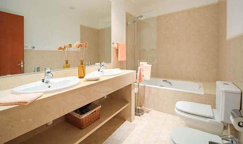 Badezimmer Finca Mallorca 8 Personen Pool PM 3560