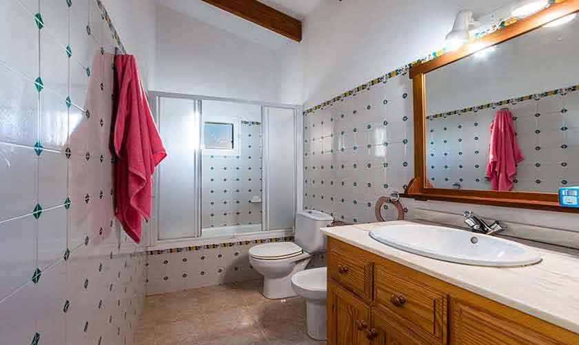 Badezimmer Ferienhaus Mallorca 8 Personen PM 3561