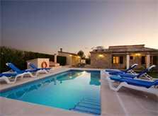 Pool und Finca Mallorca Pollensa am Abend PM 378