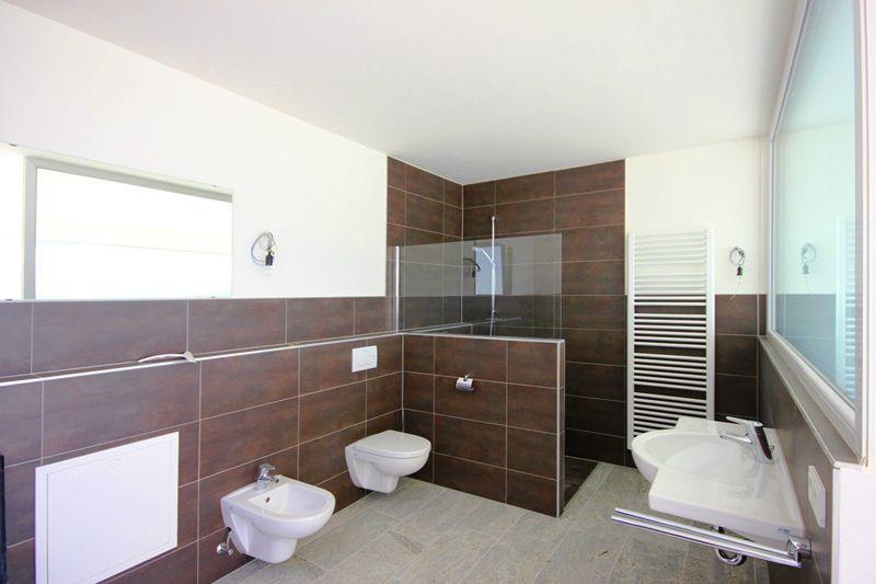 Bad 1 von 4 Badezimmern Poolvilla Mallorca PM 3801 mit Meerblick