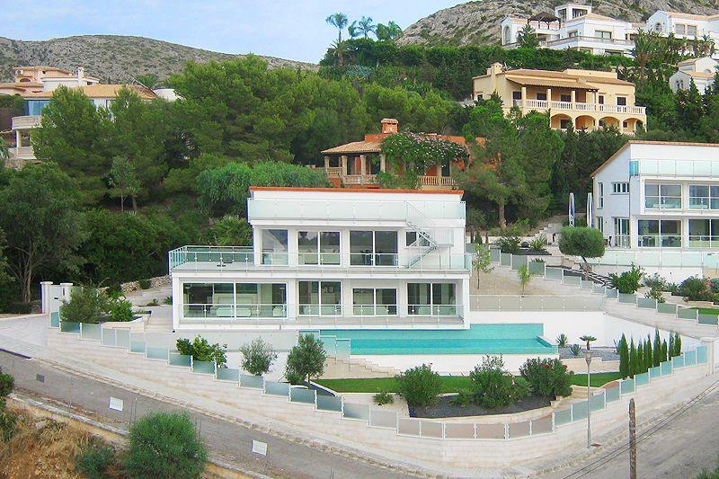 Gesamtansicht Poolvilla Mallorca PM 3801 mit Meerblick für 8 10 Personen