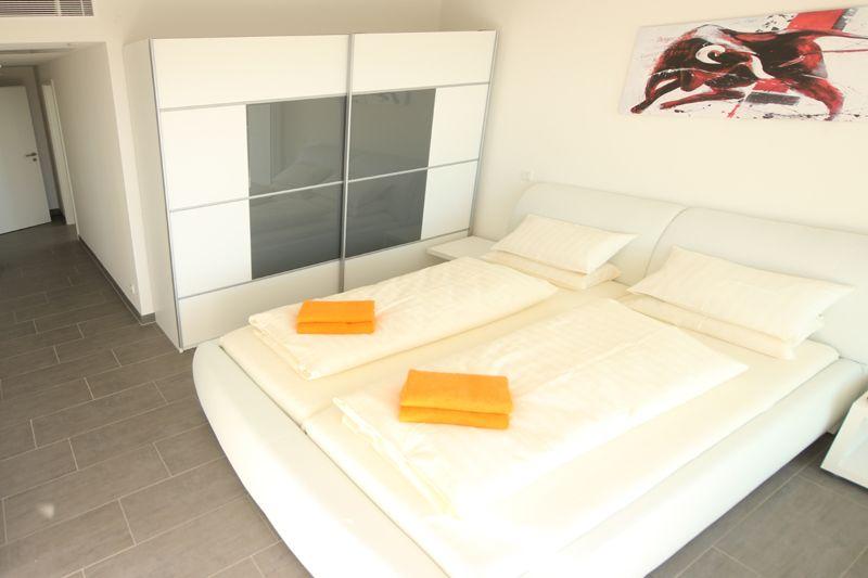 Schlafzimmer  Poolvilla Mallorca PM 3801 mit Meerblick für 8 10 Personen