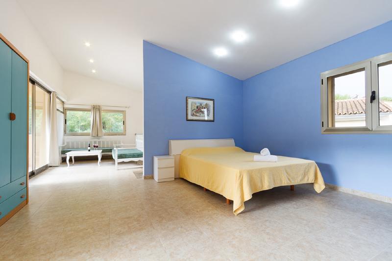 Schlafzimmer 2 von 4 Ferienhaus Mallorca Nordküste Strandnäehe Pool PM 3805