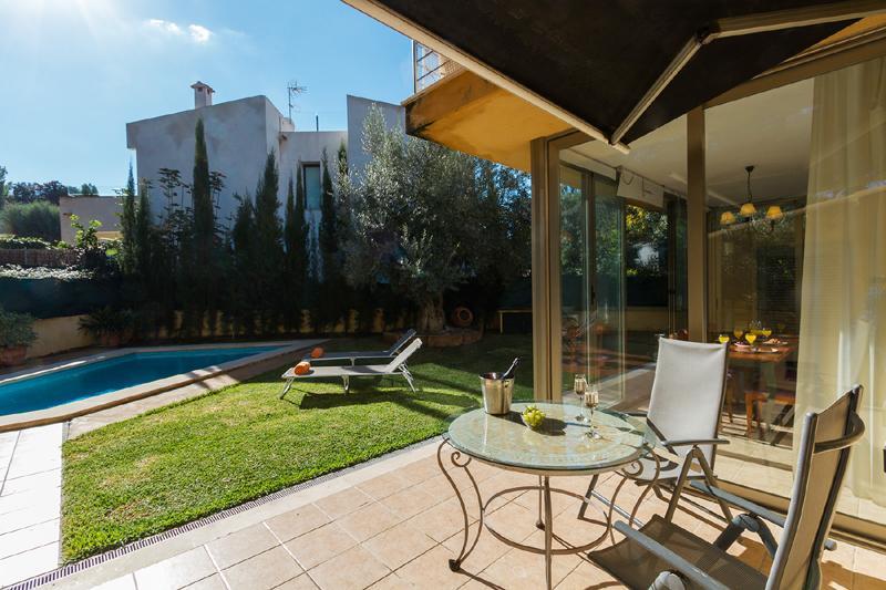 Terrasse 2 von 3 Ferienhaus Mallorca Nordküste Strandnäehe PM 3805