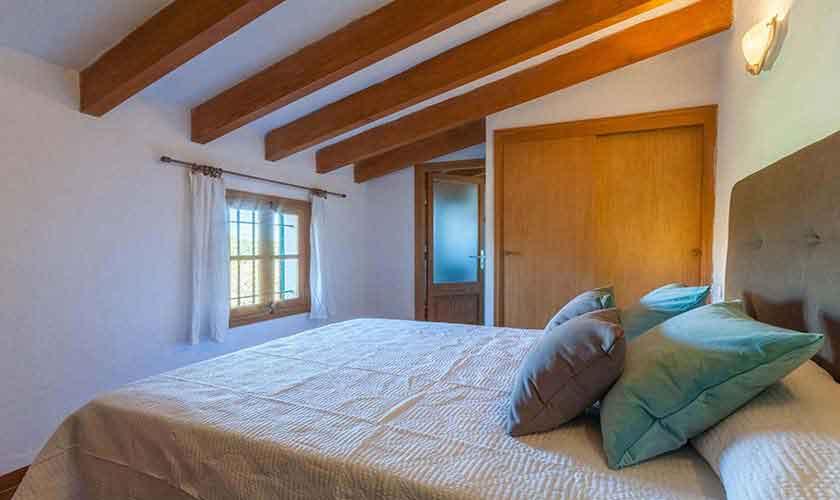 Schlafzimmer Finca Mallorca Pool PM 3846