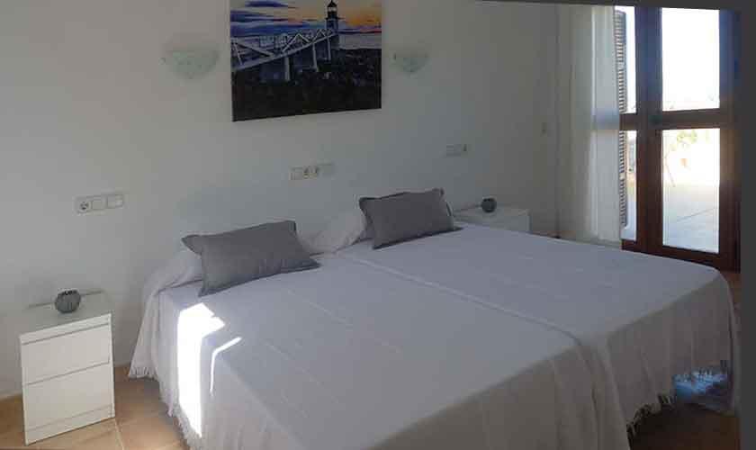 Schlafzimmer Ferienvilla Mallorca PM 470