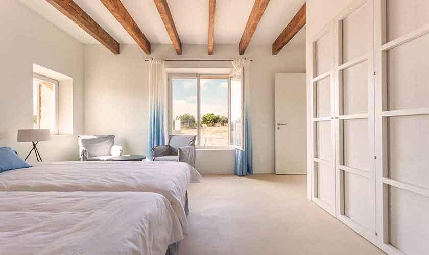 Schlafzimmer Ferienvilla Mallorca PM 5240