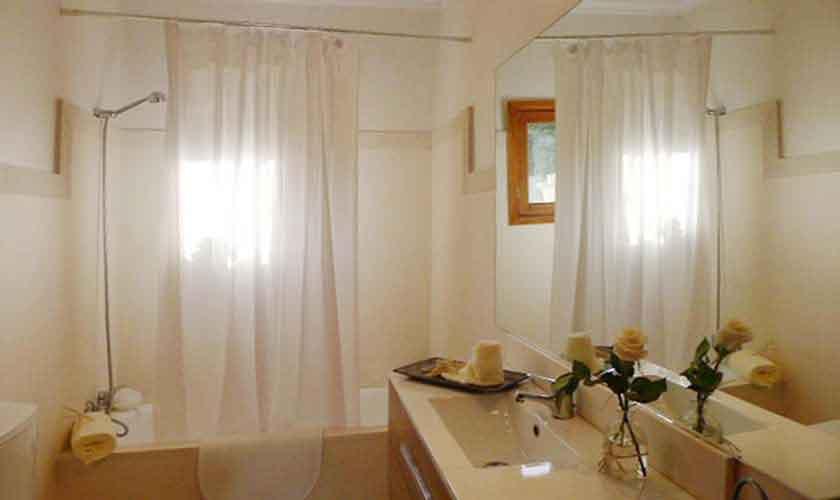 Badezimmer Finca Mallorca bei Arta PM 5490
