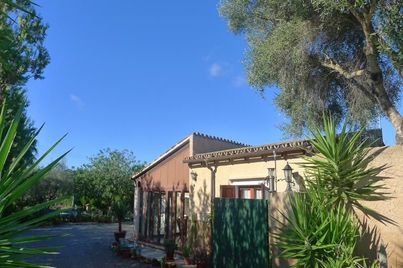 Blick auf die Finca Mallorca PM 5493 für 2 Personen