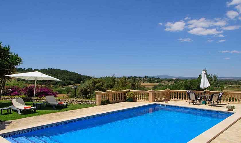 Poolblick von der Finca Mallorca 8 Personen PM 6013