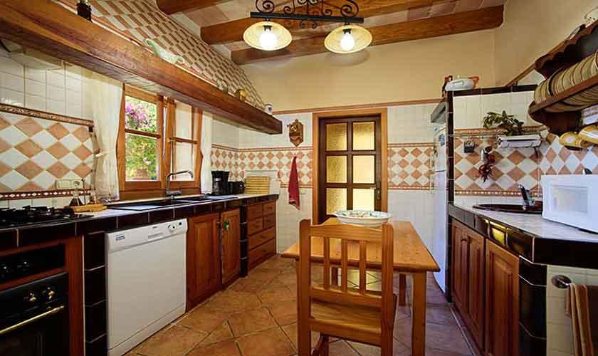 Küche Finca Mallorca 8 Personen PM 6013