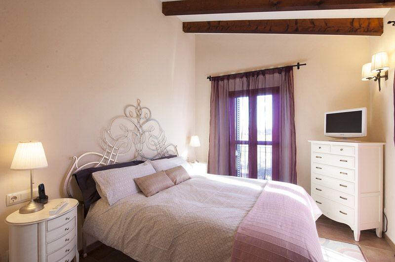 Schlafzimmer 3 Fincaferien Mallorca PM 6015 für 12 Personen
