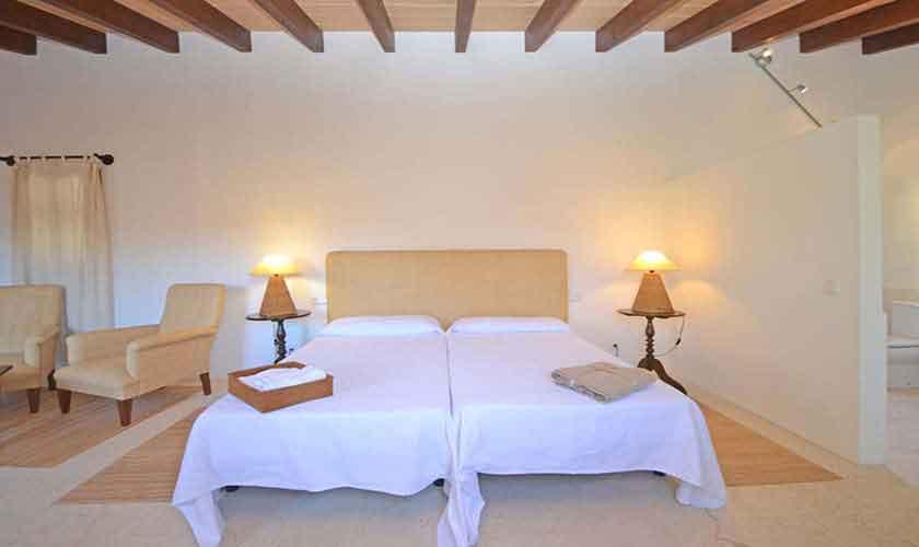 Schlafzimmer Finca Mallorca Osten PM 6020