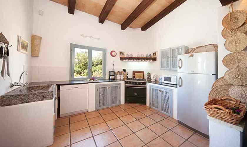 Küche Ferienvilla Mallorca 10 Personen PM 6058
