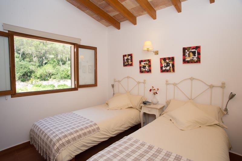 Schlafzimmer Ferienfinca Mallorca Südosten PM 6065 für 8 Personen