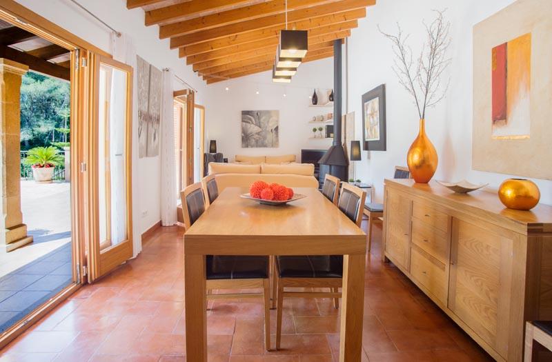 Essplatz Ferienfinca Mallorca Südosten PM 6065 für 8 Personen