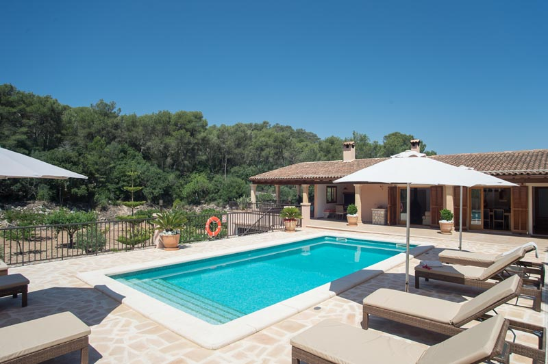 Poolblick Finca Mallorca Südosten PM 6065 für 8 Personen