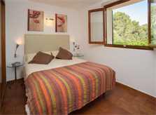 Schlafzimmer 2 Ferienfinca Mallorca Südosten PM 6065 für 8 Personen