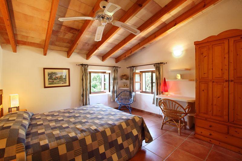 Schlafzimmer 5 Finca Mallorca Südosten mit Pool PM 6074